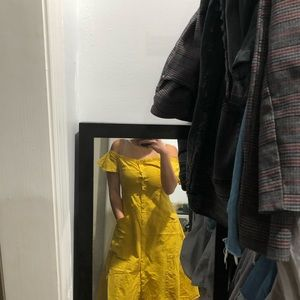 Dresses & Skirts - Off-Shoulder Yellow Midi Button Down Dress size S